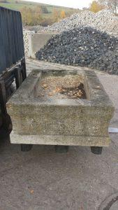 granit-trog-seite