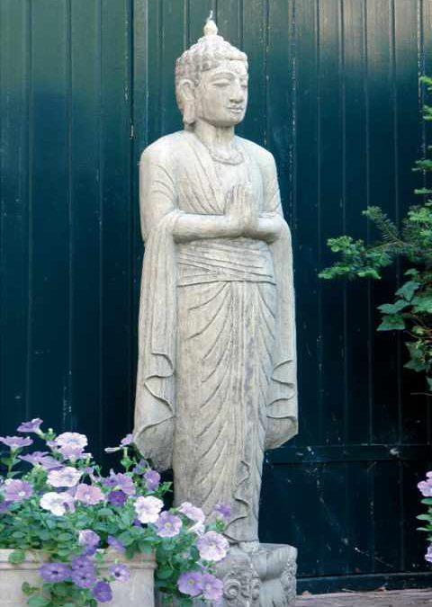 Skulpturen — Buddha stehend