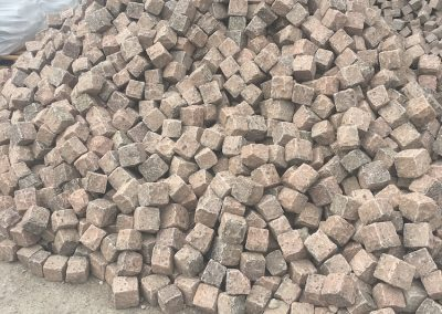 Granit_rot_klein_1