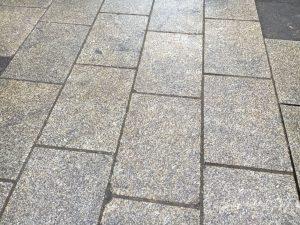 Granitpflasterplatten 60x40x8 gestockt_1
