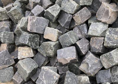 Kleinpflaster 8/11, gebraucht, grüner Diabas + Basalt